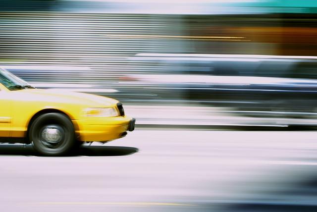 מה עדיף לקנות מונית יד שניה או לקנות מונית חדשה?